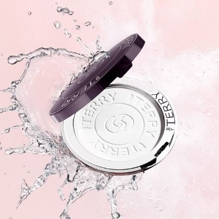 The By Terry Hyaluronic Pressed Hydra-Powder is one of October 2020 beauty launches