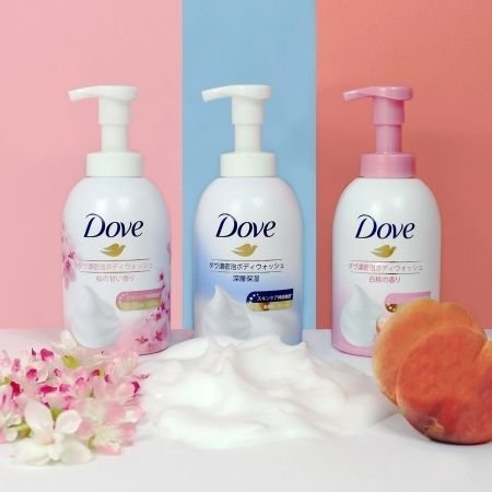 A group shot of the Dove Cloud Foam Series