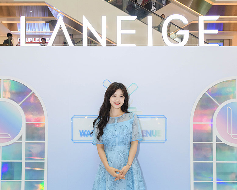 Kim Yoo Jung makes and appearance at Laneige pop-up in Singapore