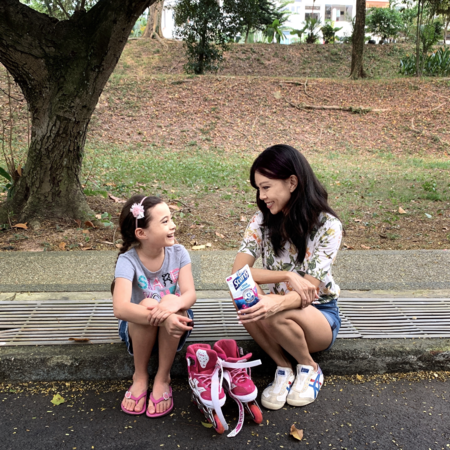 Scott's DHA Gummies - Jamie Yeo with her daughter outdoors