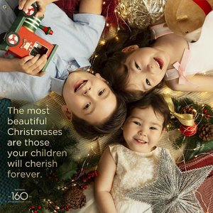 """""""The most beautiful Christmases are those your children will cherish forever."""" - Robinsons Christmas 2018 . Hair & Makeup: Melissa Towpich Photography: Studio DAYDREAM . XOXO, Melissa #makeupartist #sgbeautyblogger"""