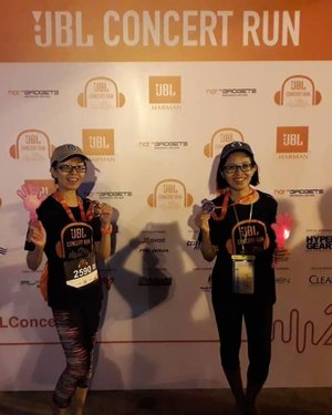 We had an awesome time and 'extraordinary sound' running at recent JBL Concert Run 2018, despite not so lucky on the lucky draws! 5km with 4 obtacles completed! Thanks @jbl_my for having us for the 2nd year!🏅🏃🏻‍♀️👭🏻 #jblconcertrun2018 #jblconcertrun #jblmalaysia #150918 #latergram #saturdaychillin #sunwaylagoon #jbl #funrun #healthylifestyle #fitness #wellness #complimentary #instaphoto #instapic #igers #influencer #blogger #lifestyleblogger #malaysianblogger #starclozetter #clozette @jellybean_star @von1022