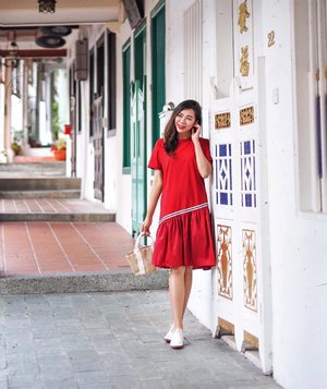 Are you Red-dy for CNY? Comment 💯 if yes, 🐷 if no! ❤️ @tracyeinny #cnywithqiyunz . . #tracyeinny #reddress #cnysg #lookbooksg #asseenonme #ootdsg #cnyootd #singapore #ootdasia #styledaily #everydaystyle #littlereddress #clozette #femmetravel #styledaily #chasinglight
