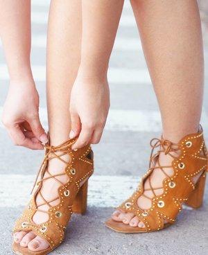 Always put your best foot forward. 👡
