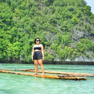 Just got in Siargao using this floating balsa (all the way from Dinagat Island), limang piso lang po ang renta. 📍 Blue Lagoon of Panabangan Island #qingTravels  #clozette #qingsstyle #moanamoment