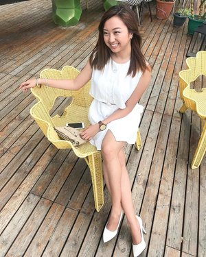 I'm really lovin' this chair! 💛 | Photo by @sarmientopaolo 🤓 #JackdawLifestyle