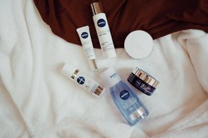 All love for these @nivea_ph bestsellers! The double effective eye makeup remover is currently my fave cause it washes aways all kinds of waterproof makeup products. Actually, it also works well with the whole face! Get this and other NIVEA products at the #Lazada #OnlineRevolution2017 this November 11 (11:11). Shop through this link — http://bit.ly/2hdHJy6 #clozette