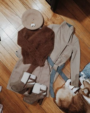Help me pack for my trip ✈️ All brown (and corgi inspired) or All black 🤔  Brown Outfit Details: @corgispot corgi butt beret (use my code GRAVYTHECORGI for a discount)  @g2000ph reversible coat @mango fluffy sweater @uniqlophofficial skirt @ugg high heeled boots (not cruelty-free but it was a gift so ok huhu)  Black Outfit Details: @hm faux fur coat @uniqlophofficial heattech turtleneck @shopee_ph fanny pack & hat @general_pants skirt @erinbyetsy sockfit boots . . . #stylefeedph #clozette @clozetteco #bloggerbandfam @blogger.band #Fashionsuspect @crimesoffashion.ph #phstreetstyle @phstreetstyle @basicbloggersph #basicbloggersph
