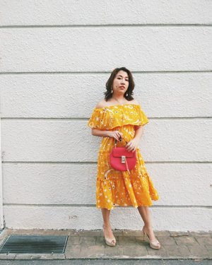 Look at the stars Look how they shine for you And everything you do Yeah they were all yellow- Coldplay. . . . #stylegram #styleinspo #clozette #sgstreetstyle #aboutalook #asseenonme #lookoftheday #whatiwore #lookdujour #sgstyle #stylediaries #thatsdarling #pursuitofportraits #ootdsg #ootddaily #JDJThreads #sundayvibes #cnyootd #styleblogger