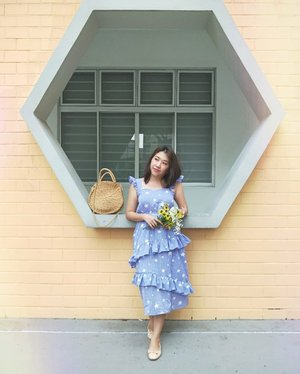 I think I need a sunrise, because I'm tired of a sunset. . . #stylegram #styleinspo #clozette #sgstreetstyle #aboutalook #asseenonme #lookoftheday #whatiwore #lookdujour #sgstyle #stylediaries #thatsdarling #pursuitofportraits #ootdsg #ootddaily #JDJThreads #sundayvibes #cnyootd #styleblogger #初一 #yellowdress #nudeshoes #cny2019
