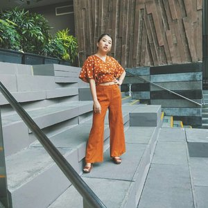 Fear the fire, or become It. 🔥 . . . #stylegram #styleinspo #clozette #sgstreetstyle #aboutalook #asseenonme #lookoftheday #whatiwore #lookdujour #sgstyle #stylediaries #thatsdarling #pursuitofportraits #ootdsg #ootddaily #JDJThreads #sundayvibes #cnyootd #styleblogger #burntorange #cny2019 #lookbooksg #vscodaily