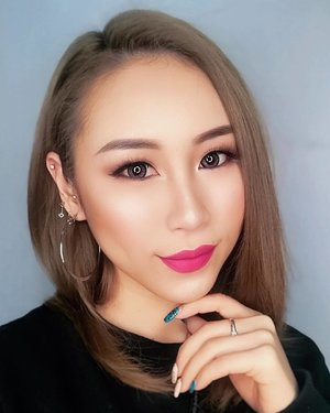 We all are hiding our biggest pain in our biggest smile.#ladies_journal #selfie #selflove #nail #clozette #clozetteid #wordsofwisdom #sgig #igsg #asian #asiangirl #beauty #makeup #weekend