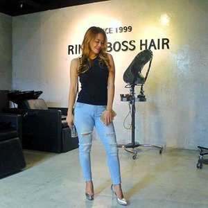 Got my hair slayed at @rinaboss0001 hair salon today! I had root touch ups and Mucota hair treatment. My hair feels absolutely incredible 🙌 Thank you to my stylist, Bella and to the rest of the team. If you guys are ever in the area, make sure you check 'em out. They are amazing! . . #AyeshaHeart #beautyblogger #bbloggersph #bloggoph #bloggerinteractiveph #clozette #hairsalon #RinaandBossHairSalon #Mucota #curlyhairstyles #bossbabe #girlboss #RinaAndBoss