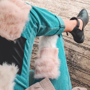 love this fur pants so much. 😻😩🔥 shoes from @smparisian #Clozette