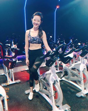 set goals, find a way, crush them. set more. ::: 18th ride and going. 🚴🏻♀️ ::: #workout #health #fitspo #motivation #getfit #fitgirl #fit #fitnessaddict #wellness #fitnessstudio #exercise #betterme #fitbody #selfimprovement #determination #slimbody #weightloss #diet #fatburn #sports #activewear #clozette #fitnessgoal #keepfit #lifestyle #healthtips #spinclass #cycling #cardio