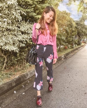 Blushing through the week like... This is what I call, the pink of health. 👚🌷💕 . . #ParadeofOOTD #hm #hmsg #topshop #topshopsg #Zara #zarasg #drmartens #drmartensstyle #drmartenssg #clozette #ootd