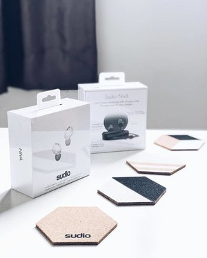 ~~incoming: @sudio NIVÅ let's us free the sound! Let's test drive these little Uber cool looking babies and see how they actually sound and perform! Thanks @sudio for the huge love 💕 😘💗~~
