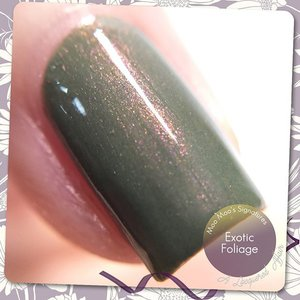 #Macro shot of @MooMooSignatures Exotic Foliage from Moo Moo's Story Part III Moorassic collection. Absolutely #LOVE the prettiness in the murkiness.  #nails #nailpolish #vernis #sgig #igsg #sgignails #sgnails #instanails #instasg #moomoosignatures #indiepolish #iger #clozette #indieswatch #indienailpolish #nailswatches #bellashoot #bbloggers #💅 #shimmer