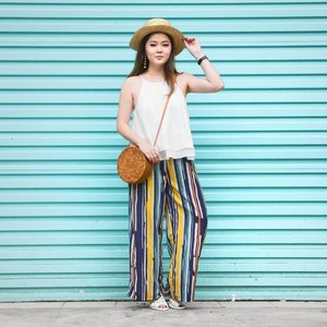 All ready for the weekend in this Elisha Stripes Pants c/o @theclosetlover! 🌴🥥 Love how colourful and comfortable it is, plus it's crease-free — great for traveling! P.S. Shopping for your Chinese New Year outfits? Pop over to www.theclosetlover.com to check out their newly launched Chinese New Year collection! 🍊🍊#theclosetlover #TCLOOTD #theordinaryco #clozette #hlrysadverts #ootdmagazine #ABMstyle #acolorstory #flashesofdelight #thatsdarling #colorventures #pursuepretty #lookbook #asseenonme #classyandfashionable #aboutalook #streetstyleluxe #ootdwatch #stylemacarons #momentsofchic #howihue #walltraveled #colourcolourlovers #colorsplashes #ootd