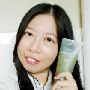 🌱Here is a selfies with the Althea x Get It Beauty product collaboration.  it is called the Real Fresh Skin Detoxer.  It comes in two variants: 🌹ROSE: Refining (in the morning) 🌹A rose-infused facial mask for morning routine to strip away dirt accumulated overnight to reveal a healthy glowing skin. 🌿GREEN TEA: Purifying (at night) 🌿Infused with purifying green tea extract, it helps to soothe and refresh tired skin after a long day outdoors.  i will do a more detailed review once i use for 3 weeks since i just received it a few days ago.  Products was given as a welcome gift from @altheakorea  @getitbeautytv  #altheakorea #altheaangels #getitbeauty #rasianbeauty #kbeauty #abblogger #scffinder #abbeatthealgorithm #abcommunity #maskselfie #skincare #뷰티 #asiancosmetics #스킨케어#cosmetics #koreancosmetics #beauty #bblogger  #clozette #skincareblogger #beautygram #skincareaddict #코스매틱#skincarejunkie #favfulfeatures #butterflymsia