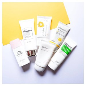 My Favourite sunscreens all lined up in the same photo 😌❤️ -- Petal Velvet from @altheakorea; lightweight finishing with sebum absorbing properties. Some white cast. @klairs.global Soft Airy UV Essence; no white cast and minimal stickiness. Better suits combination skin imo. Innisfree Mild Sunscreen; great for my skin when it's breaking out. No cast. @missha.official Essence Sun; great under makeup and it's very lightweight without any cast. @apieu_cosmetics Mild Plus Sun Cream; another product great for sensitive skin. Lightweight and no cast. @purito_official Centella Sun Cream; I will marry all Purito products 😻😌 -- #clozette #abcommunity #rasianbeauty #memebox #abbeatthealgorithm #sensitiveskin #beauty #koreanbeauty #watsons #kbeautyroutine #dupe #amabiebeauty #korea #blogger #10stepkoreanskincare  #skincareroutine #hyaluronicacid #suncream #centella