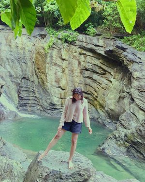 Ang ganda ng view may dahon effect pa, yuko na lang ako ✨✨✨ • • • • • • • #falls #Creations #falling #blessed #panagan #FallsPH #letsgo #camsur #discoverph #destinationearth #bicol #bicolbest #whynot #yey🎉 #happyfey #feyventures #pinoytravel #travelphotography #wanderlust #happy #bestplans #yass #ff #clozette #vsco #vscoph #travel #feytravels #travelph #discoverygreen