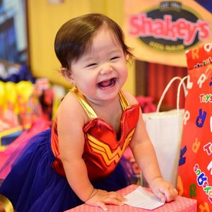 Our little Wonder Girl is finally one!😍 Wrote a little about Arya's Justice League Themed First Birthday Party at Shakey's on the blog.☺️❤️💙 Link in my bio if you're interested to read it.👍🏻 Share my blog post on your Facebook page and tag me on your post to get a chance to win a Shakey's Super Buddy Card!😉 #clozette #ootd #BabyAryaShark #babyootd