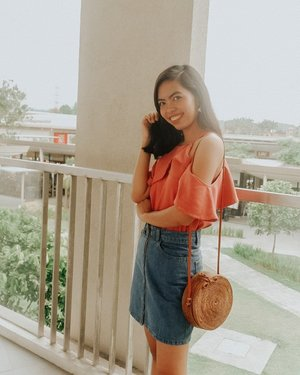 Smiling on this photo but not feeling well since yesterday :( Hoping to get back on track soooonest! Any recos to cure my cough and colds? TYIA! 😊  #bloggersinteractiveph #MNLBloggersPH #clozette