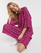 ASOS DESIGN pink ditsy print midi plisse oversized t-shirt dress in pink-Multi